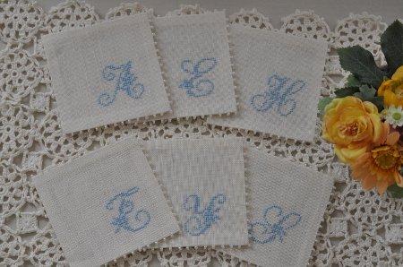 ニットと刺繍小物のトロワ ポムスさん_f0224568_20294062.jpg