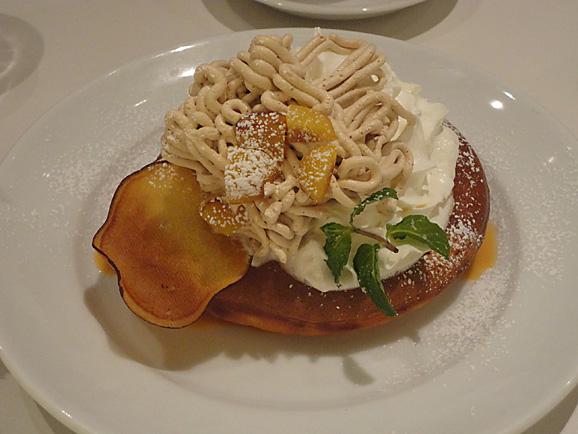 Dexee Dinerでモンブランパンケーキ_e0230011_14494398.jpg