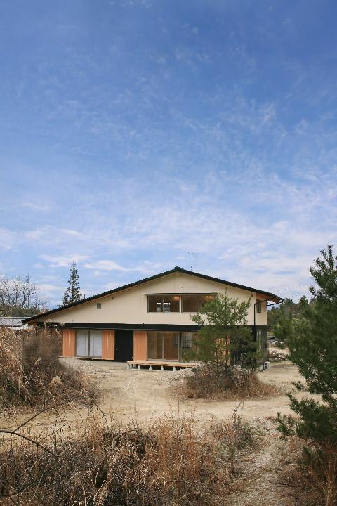 大屋根を持つ二世帯住宅_b0179213_11401563.jpg