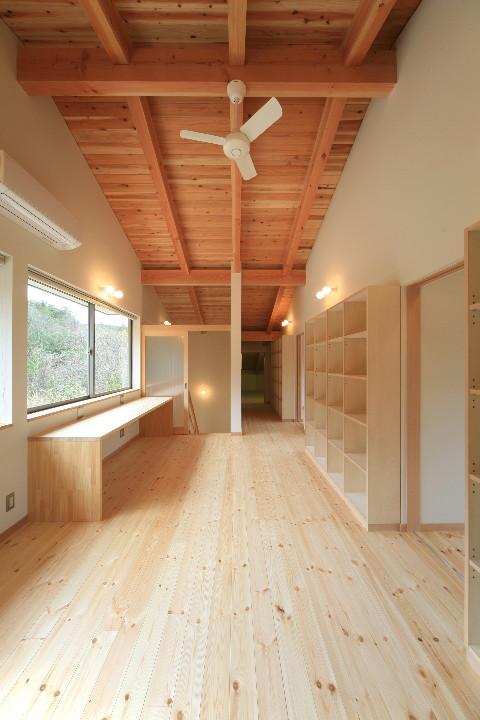 大屋根を持つ二世帯住宅_b0179213_11424253.jpg