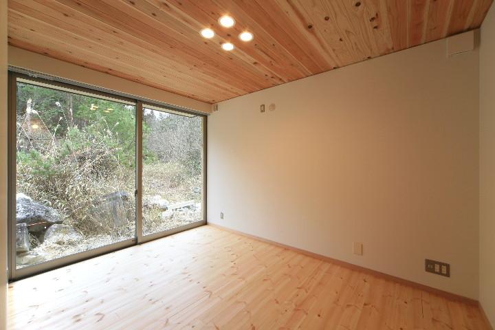 大屋根を持つ二世帯住宅_b0179213_1143924.jpg