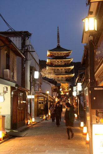 京都・東山花灯路2013_e0048413_2243315.jpg