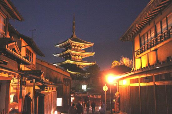 京都・東山花灯路2013_e0048413_22434367.jpg