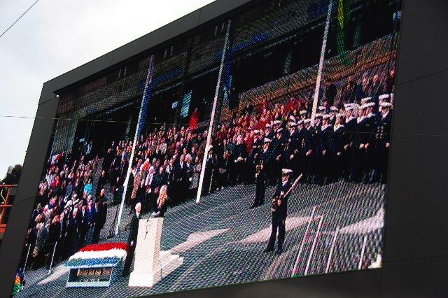 オランダの旅 (43) ダム広場の慰霊者の追悼式典に遭遇_c0011649_4581640.jpg