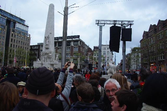 オランダの旅 (43) ダム広場の慰霊者の追悼式典に遭遇_c0011649_514697.jpg