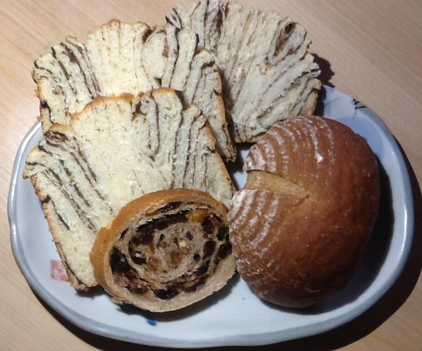 クマ遭遇、美味しいパン屋さんといろいろ_b0093660_13555986.jpg