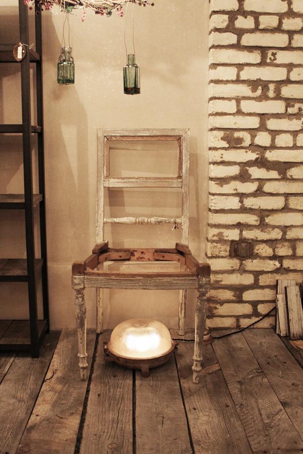 『木製椅子』_f0192906_23191814.jpg