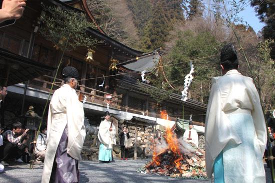 貴船神社 雨乞い祭_e0048413_22103339.jpg