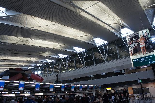 オランダの旅 (45) アムステルダムから香港経由で帰国_c0011649_2332583.jpg