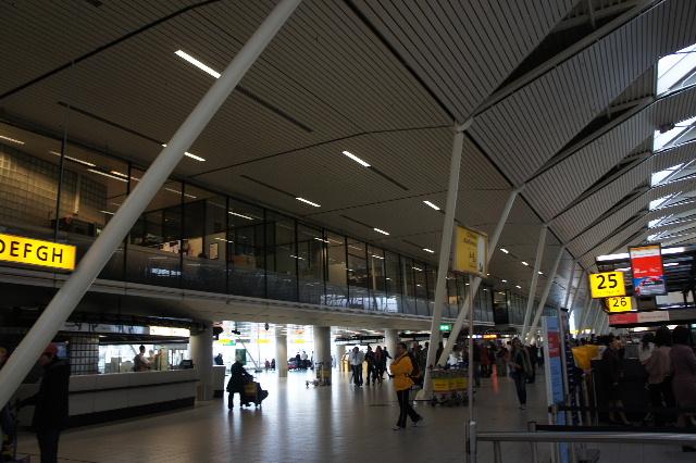 オランダの旅 (45) アムステルダムから香港経由で帰国_c0011649_23332452.jpg