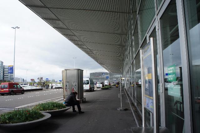 オランダの旅 (45) アムステルダムから香港経由で帰国_c0011649_2335263.jpg