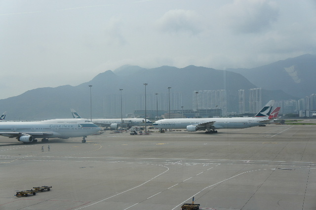 オランダの旅 (45) アムステルダムから香港経由で帰国_c0011649_23444090.jpg