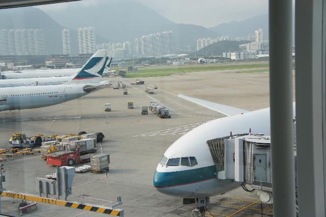 オランダの旅 (45) アムステルダムから香港経由で帰国_c0011649_23452387.jpg