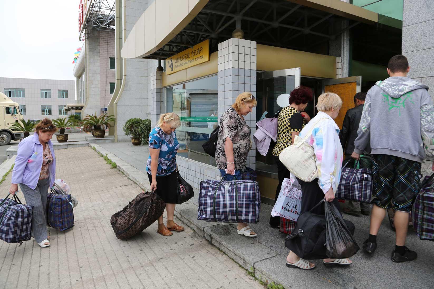 ウラジオストクで出会った人たち その1(働くおばさん・おじさん編)_b0235153_8522285.jpg