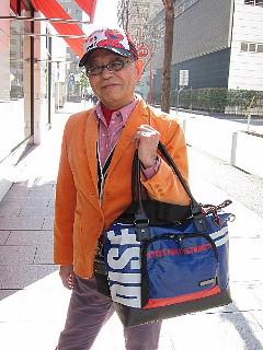 バッグは「生きざま」を運ぶ?_b0141773_19185092.jpg