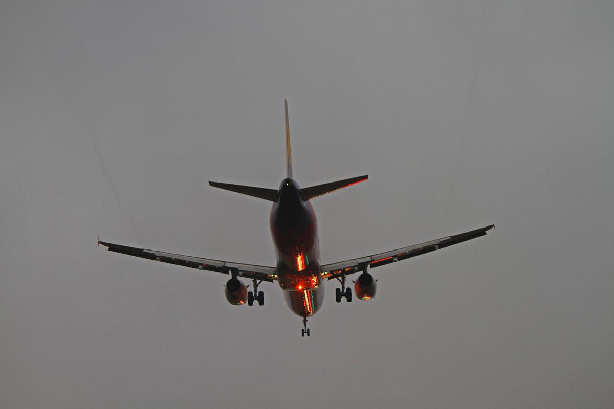 アシアナ航空。_b0044115_8493094.jpg