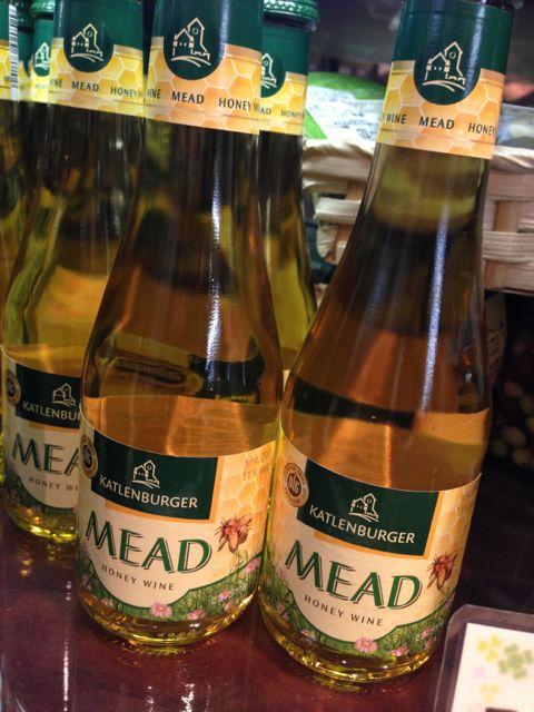 はちみつワイン再登場!美味しいだけじゃなくビタミン、ミネラルたっぷり♪ミニボトルでホワイトデーにもおすすめです♪_c0069047_2025025.jpg