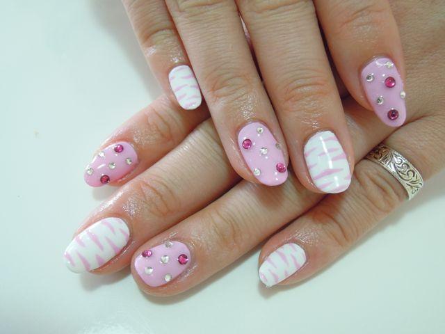 Pink Zebra Nail_a0239065_15295137.jpg