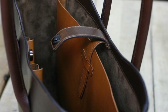 斜めポケットの肩掛けトートバッグと、九州初上陸のご案内。_a0145469_21125343.jpg