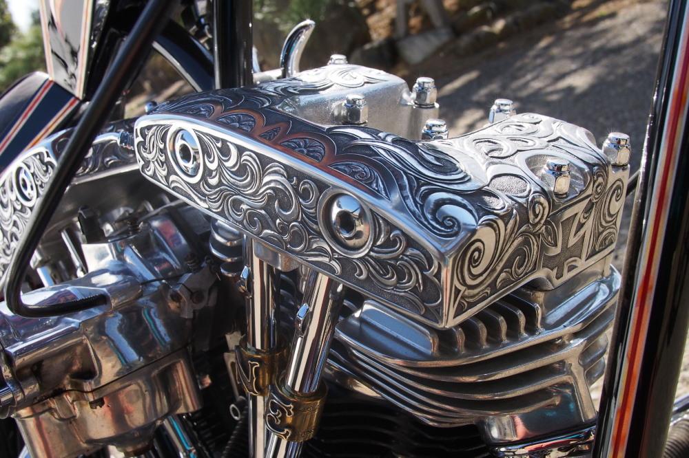 「美術品」としてバイクを眺める_d0122640_20593253.jpg