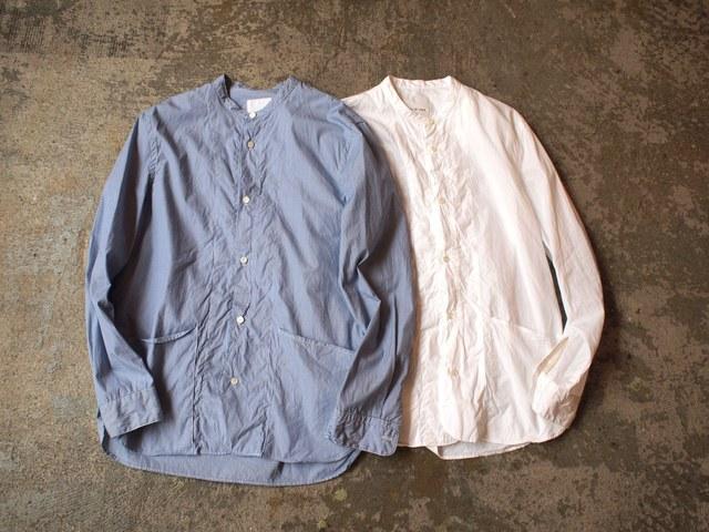 """「【この夏のトレンド】ノーカラーシャツの着こなしは""""ゆるさ""""がポイント」の画像"""