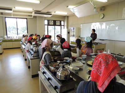 元気な中高生と一緒にご飯とお味噌汁を作りました!_b0252363_17104027.jpg