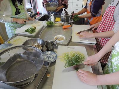 元気な中高生と一緒にご飯とお味噌汁を作りました!_b0252363_1715287.jpg