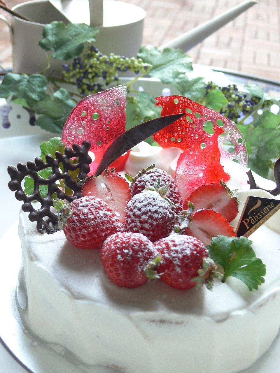やっぱり定番、いちごショートケーキ!_a0183571_8352577.jpg