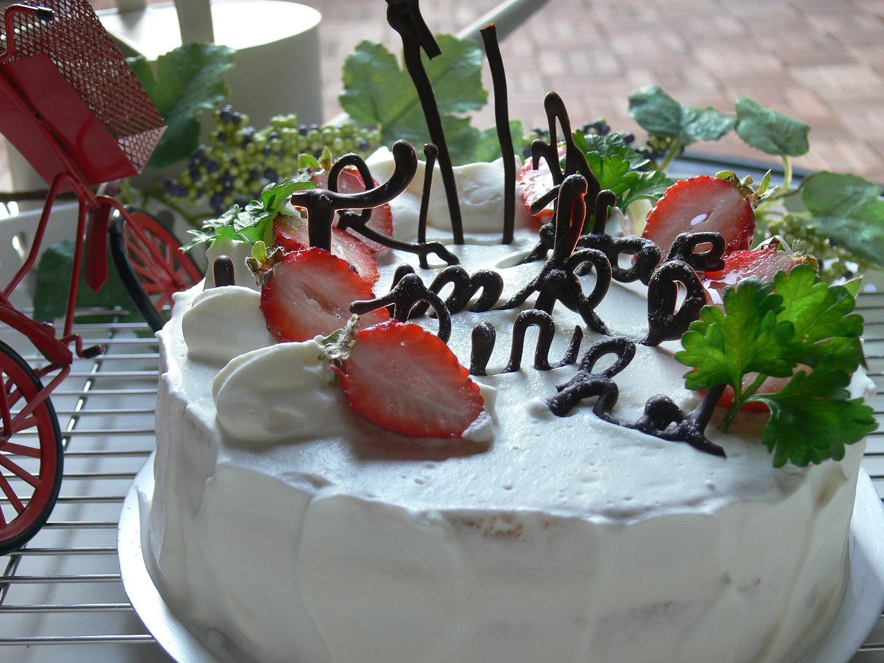 やっぱり定番、いちごショートケーキ!_a0183571_8364062.jpg