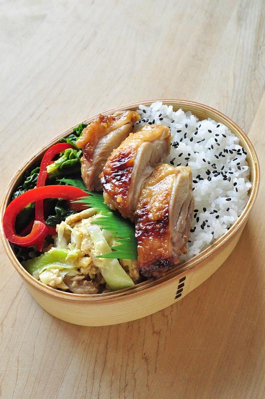 レンジ醤油糀鶏弁当_b0171098_852629.jpg