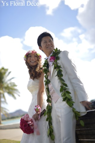 プルメリアをいれたピンクの花冠とリストレット ハワイのおふたりに_b0113510_17163087.jpg