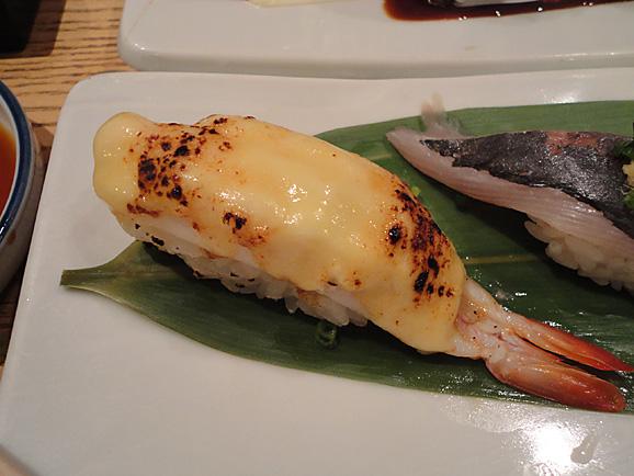 並んで食べました。「美登利寿司」!_e0230011_1825373.jpg