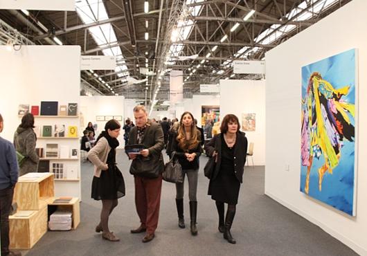 NY最大の美術展覧会「アーモリー・ショー」 The Armory Show(会場の雰囲気編)_b0007805_651988.jpg