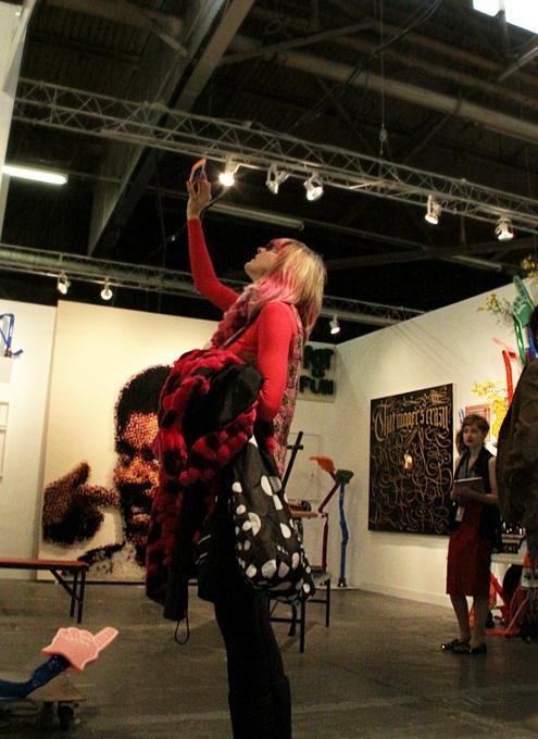 NY最大の美術展覧会「アーモリー・ショー」 The Armory Show(会場の雰囲気編)_b0007805_7143248.jpg