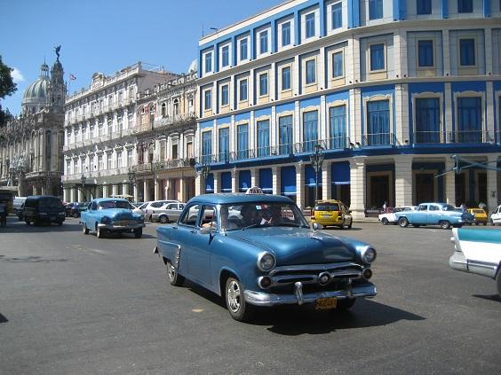 キューバの街角_a0103940_18452799.jpg