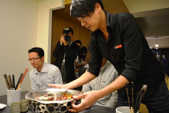 食在有趣 台湾、美食めぐり① 台北編 寬巷子QUANの花芸火鍋_b0053082_7185962.jpg