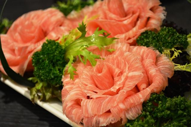 食在有趣 台湾、美食めぐり① 台北編 寬巷子QUANの花芸火鍋_b0053082_8412699.jpg