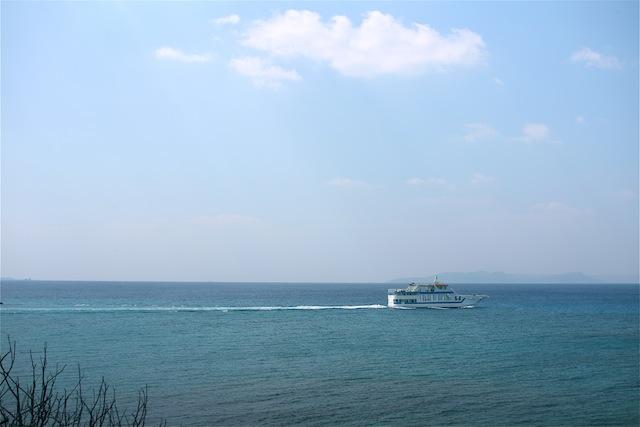 津堅島へ_e0287190_1285047.jpg