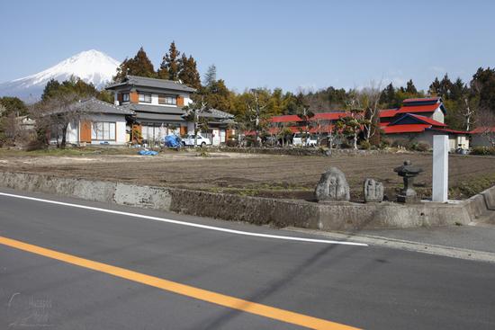 農村にて [In rural]_b0064396_2151102.jpg