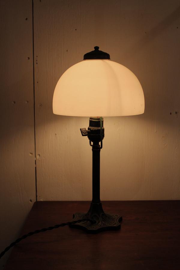 『昭和初期鉄製スタンド照明』_f0192906_2344377.jpg