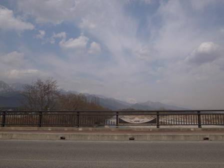 風の強い橋の上で_a0014840_17919100.jpg