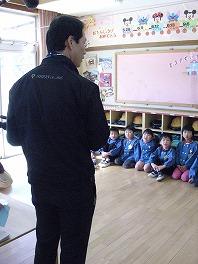 保育園でコマまわし_a0272042_17544389.jpg