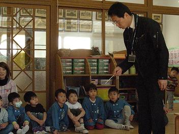 保育園でコマまわし_a0272042_18144316.jpg
