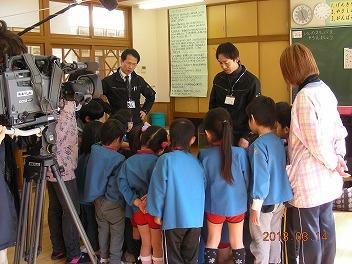 保育園でコマまわし_a0272042_1846911.jpg