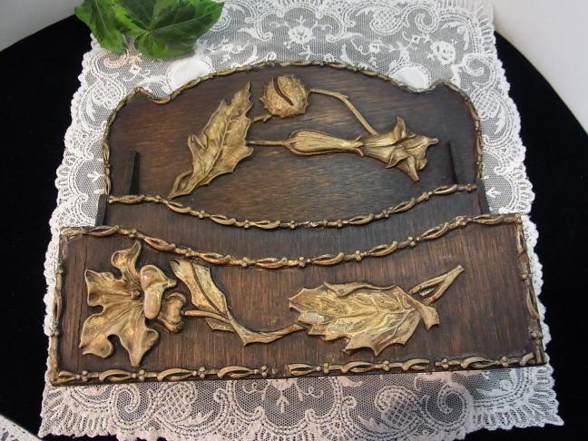 見事なアール・ヌーボー装飾のレターラック_d0127182_179536.jpg
