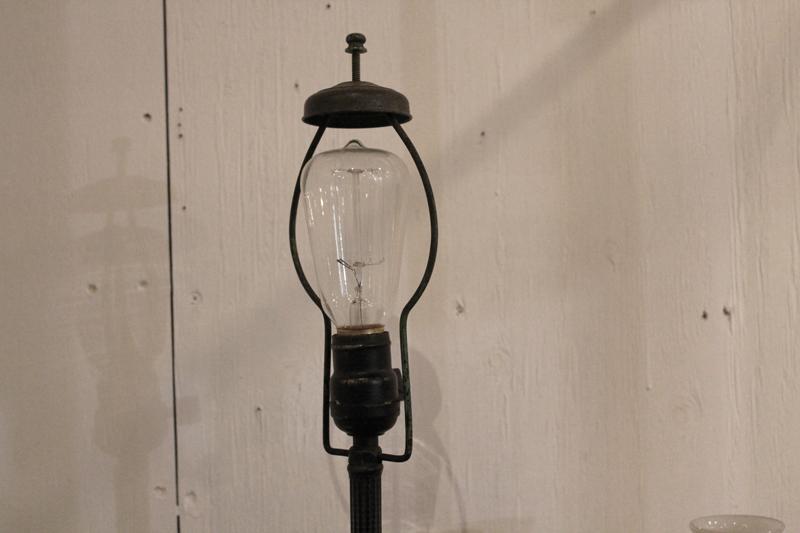 『昭和初期鉄製スタンド照明』_f0192906_0114930.jpg