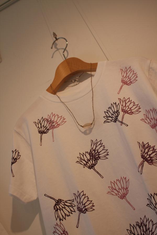 「cheap chic 夏までずうーーっと Tシャツ&スカート+アクセサリー」 展示始まりました。_e0060341_22392379.jpg