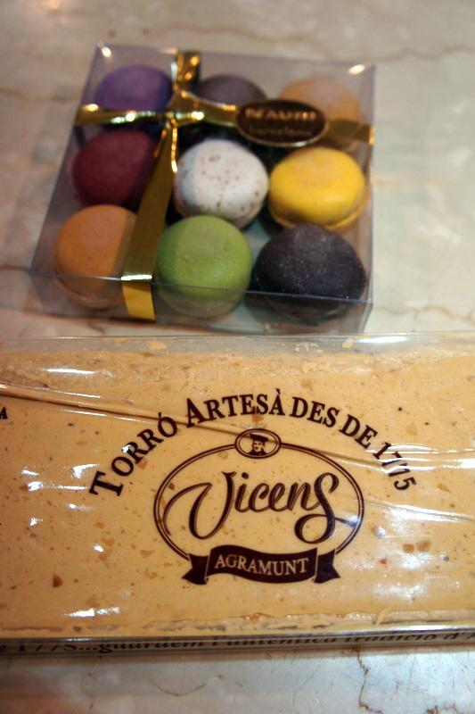 スペインのクリスマス菓子 トゥロン_d0210450_11521917.jpg
