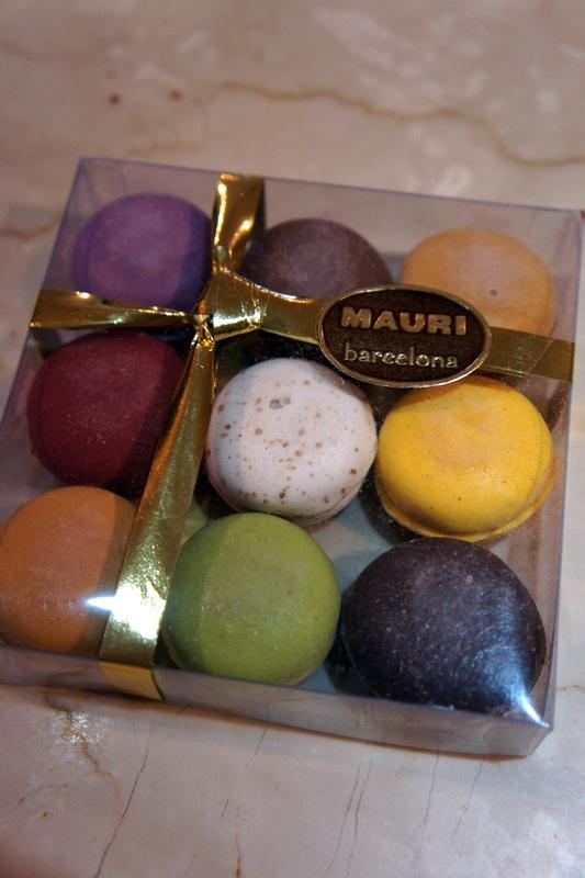 スペインのクリスマス菓子 トゥロン_d0210450_11525047.jpg
