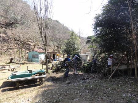 ウグイスが鳴いています  in  孝子の森_c0108460_1825526.jpg